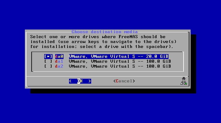 Step 4 - Pilih Disk untuk Sistem FreeNAS